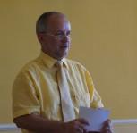 Oberbürgermeister der Stadt Hoyerswerda, Stefan Skora, hält die Eröffnungsrede.
