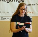 """Emma Braslavsky liest aus ihrem Roman """"Das Blaue vom Himmel über dem Atlantik"""" beim Hoyerswerdaer Kunstverein"""
