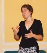 Kira Potowski spricht beim Hoyerswerdaer Kunstverein über ihre Arbeit in Mexiko-City.