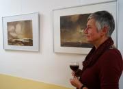 Barbara Seidl-Lampa zur Vernissage einer Ausstellung von Gerhart Lampa im Seenland-Klinikum Hoyerswerda