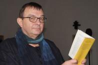 Der Schauspieler Rainer Gruß 2016 beim Hoyerswerdaer Kunstverein