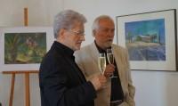 Karl-Heinz Hochstädt (links) bei seiner Ausstellung im Schloss Hoyerswerda 2016