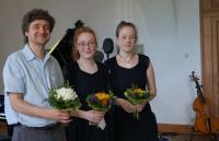 FP Kram, Alma-Elisabeth Stoye und Marie-Alice Stoye (von links), beim Hoyerswerdaer Kunstverein 2017