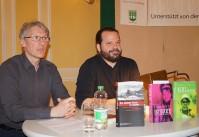 Ingo Petz (rechts) stellt seine Bücher 2017  beim Hoyerswerdaer Kunstverein vor, fachkundig unterstützt von Mirko Schwanitz