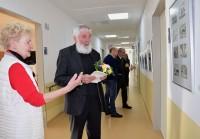 Prof. Hänsch zur Vernissage seiner Ausstellung im Klinikum Hoyerswerda 2017