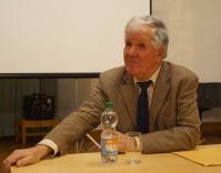 Manfred Dietrich, 2017 bei einem Vortrag in Hoyerswerda