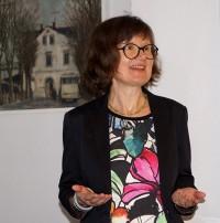 Sabine Wolf erläutert die Arbeitsweise ihres Literatur- Archivs der Akademie der Künste in Berlin
