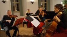 Klavierquartett mit Heidemarie Wiesner, Piano, Michael Yokas, Violine, Waltraut Elvers, Viola, Gabriella Strümpel, Violoncello.