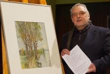 Uwe Jordan mit einem Gemälde von Günter Peters, Oberlausitzer Teichlandschaft