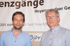 Der Dichter Björn Kuhligk und Journalist Mirko Schwanitz beim Hoyerswerdaer Kunstverein 2018