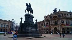 Theaterplatz Dresden, mit Semperoper, 2016