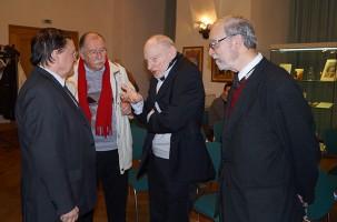 Rudolf Hamburger (2. v.r.) im Gespräch mit Thomas Delling, Friedhelm Schulz und Martin Schmidt.