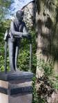 Stele für Günter Peters im Zoo Hoyerswerda, von Jürgen von Woyski
