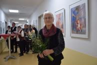 Britta Kayser zur Vernissage ihrer Ausstellung im Klinikum Hoyerswerda