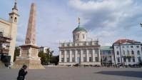 Potsdam am Alten Markt, der Obelisk steht im Schnittpunkt von Nikolaikirche, Altem Rathaus und Palais Barberini