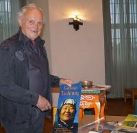 Dr. Manfred Schemel 2017 beim Hoyerswerdaer Kunstverein, Thema: Der mongolische Dichter Galsan Tschinag