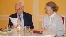 Ingrid und Heinz-Dieter Tempel berichten über Albert Schweitzer beim Hoyerswerdaer Kunstverein.