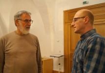 Erich Busse und Andreas Pallmer zu einem Vortrag über die Zehn Gebote beim Hoyerswerdaer Kunstverein
